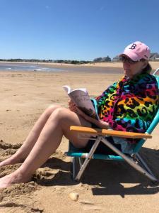 Barb+TSMP on beach_IMG_0750